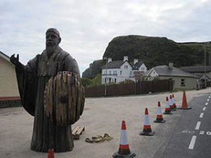 Game of Thrones film set at Downhill Beach: the third sculpture comes to Downhill